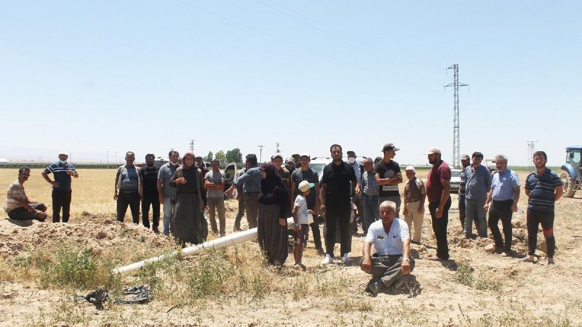 AKP'li isim bahçesine usulsüz su taşıttı, mahalleli isyan etti