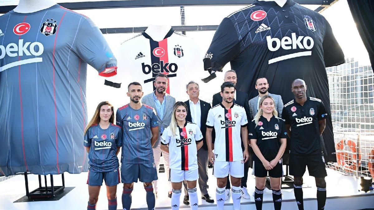 Beşiktaş'ın 2021-22 sezonu formaları tanıtıldı