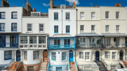 Charles Darwin'in deniz kıyısındaki evi 1.3 milyon dolara satılıyor