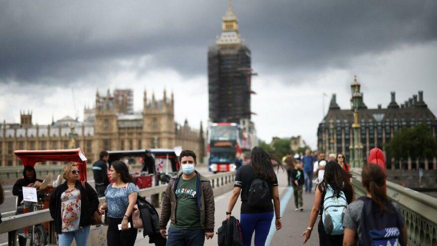 İngiltere'de günlük vaka sayısı 40 bini aştı
