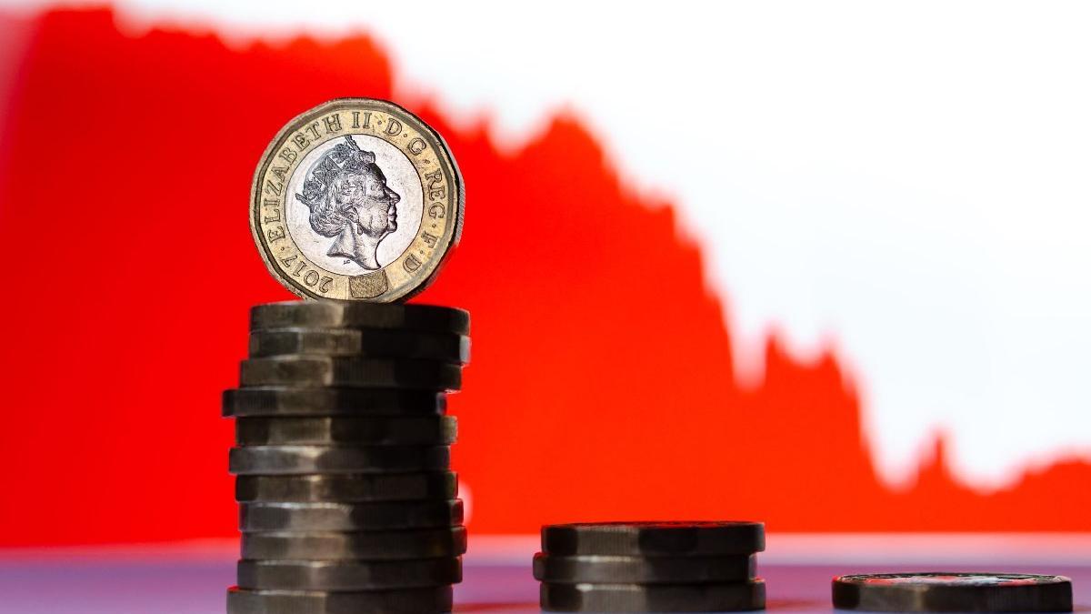 İngiltere'de enflasyon beklentilerin üstünde arttı