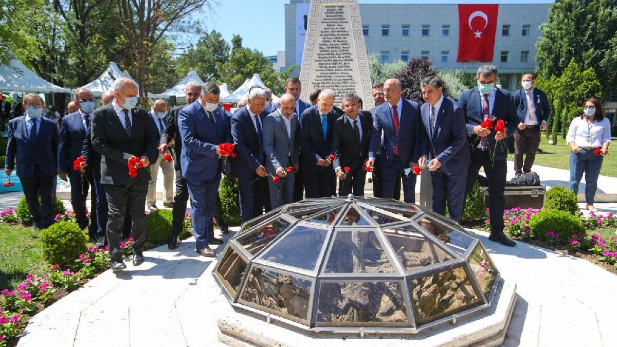 CHP'li vekiller, 15 Temmuz'u andı: O gün durduğumuz yerdeyiz