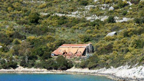 Yarımadadaki villa büyük tepki çekmişti... Sonunda yıkıldı
