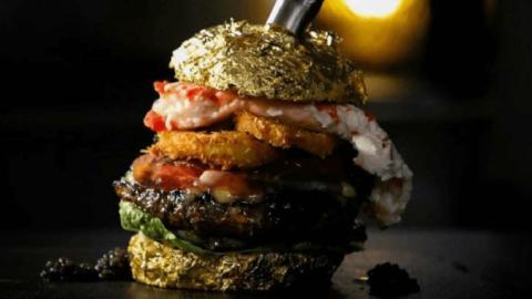 Dünyanın en pahalı burgeri yaklaşık 6 bin dolara satıldı