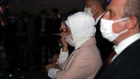 Emine Erdoğan 15 Temmuz anmasında gözyaşlarına hakim olamadı