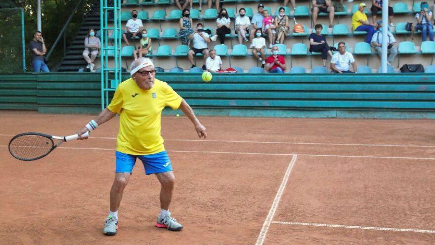 Dünyanın en yaşlı tenisçisi 97 yaşında Federer'e meydan okudu