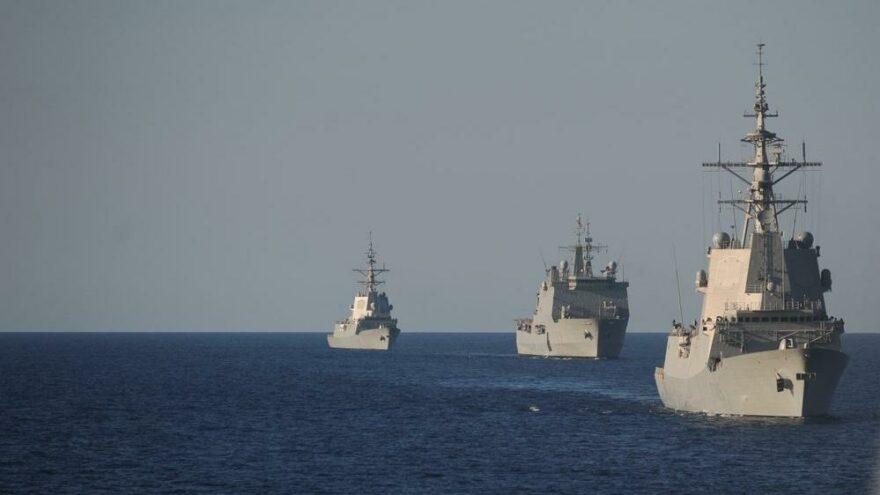 ABD Donanması'nda bir ilk: NSWC'ye kadın asker girdi