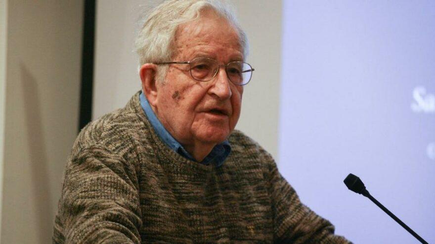 Noam Chomsky: Önce İslamofobiyi anlamak gerekiyor