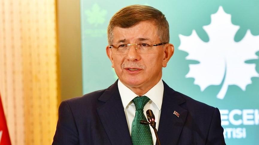 Davutoğlu'ndan iktidara sert sözler: Devleti 3-5 çeteye, 3-5 yolsuza peşkeş çektiler