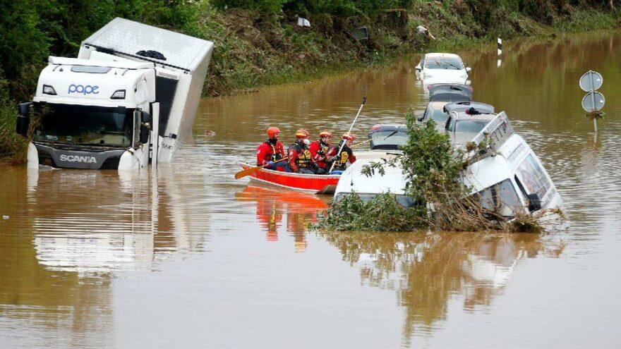 Almanya'daki sel felaketinde ölü sayısı 133'e yükseldi: Yüzlerce kişi aranıyor