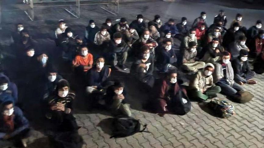 Van'da Afganistan uyruklu 59 göçmen yakalandı