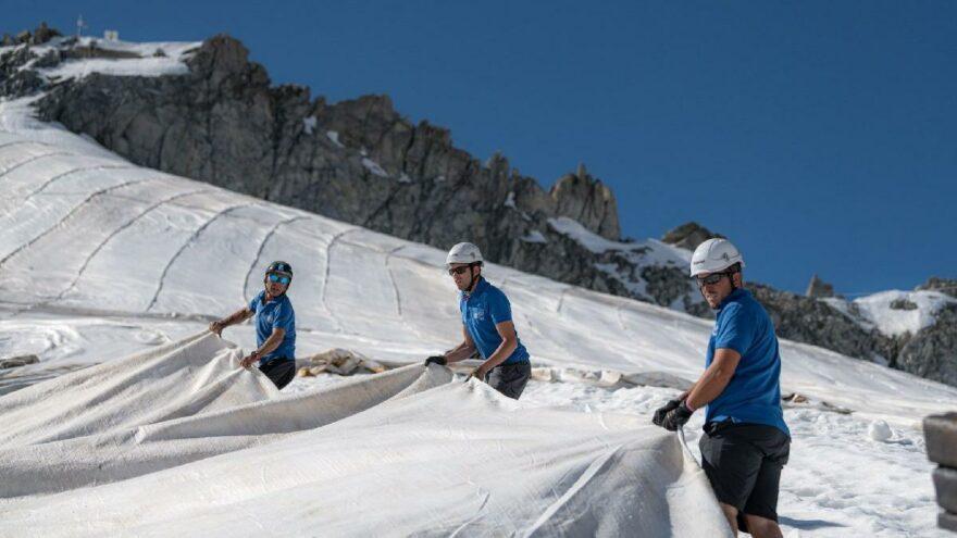 Presena buzulunda muşambalı önlem: Yüzde 70'ini kurtardı