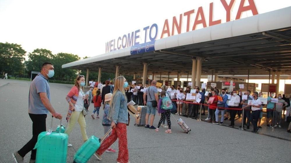Antalya'ya son 26 günde 1 milyon 200 bin yabancı turist geldi
