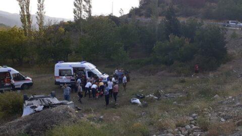 Kontrolden çıkıp şarampole uçtu, 3'ü çocuk 6 yaralı