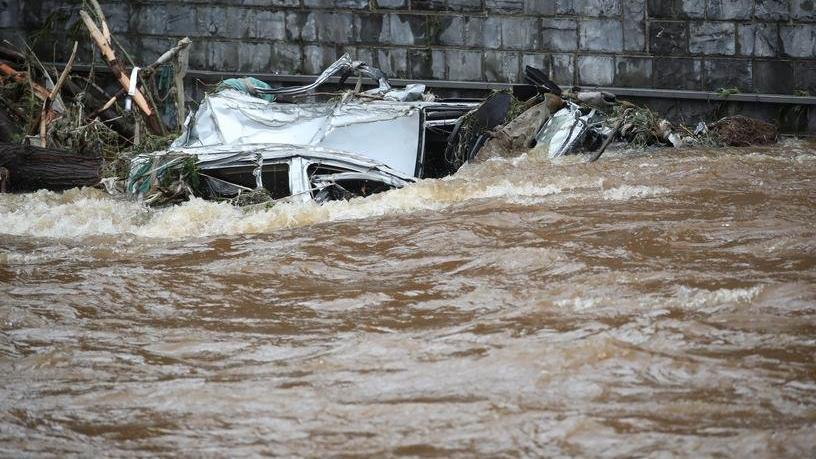 Avrupa'daki sel felaketinde can kaybı artıyor