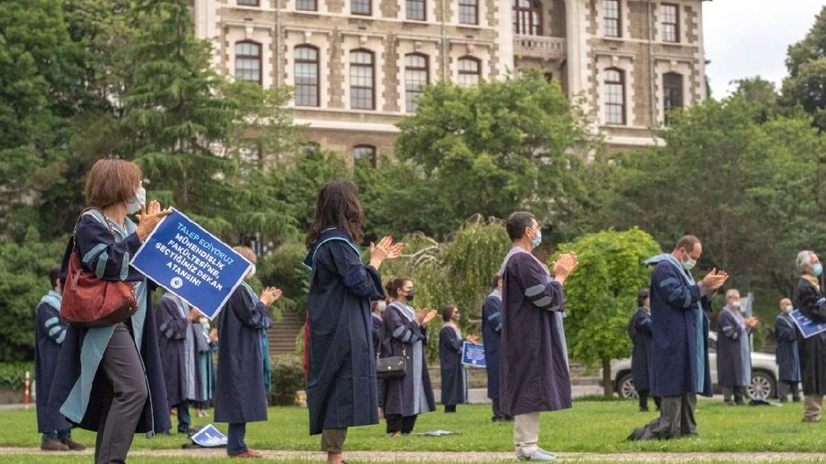 Boğaziçili akademisyenden vekil rektöre mektup: Hatalardan dönülmesi ümidiyle