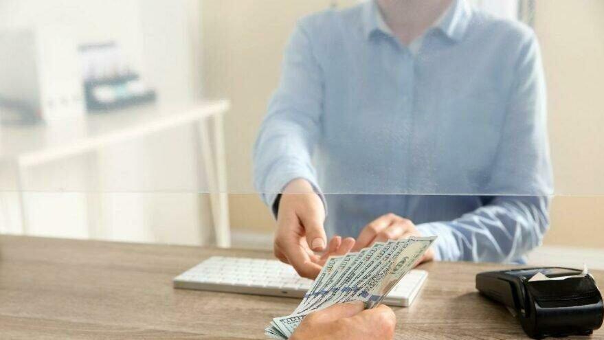 Bankalar, eczaneler ve kargolar arefe günü açık mı?