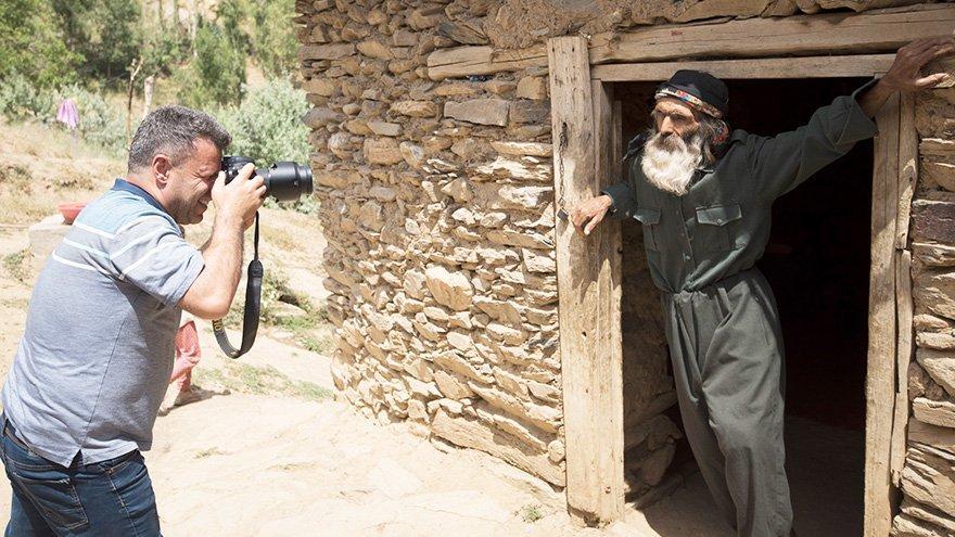 Fotoğrafçılar onu çekmek için kilometrelerce yol geliyor