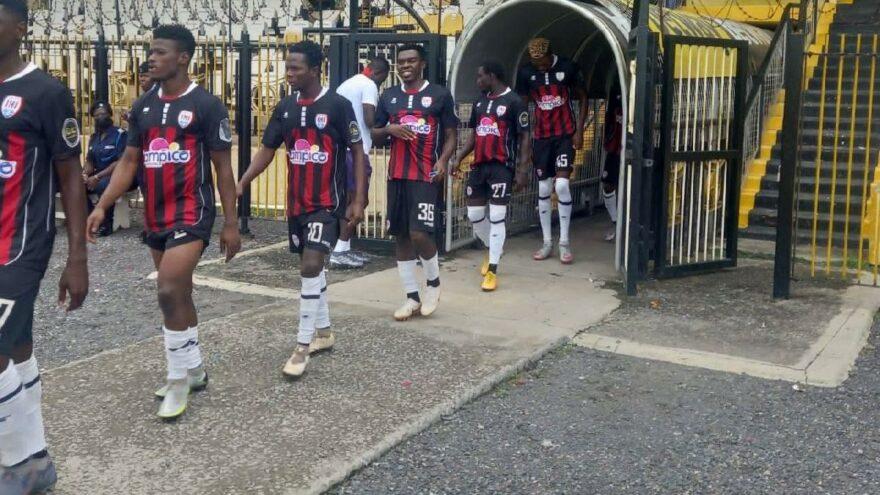 Gana'da kendi kalesine iki gol atan futbolcu Interpol'ü devreye soktu!