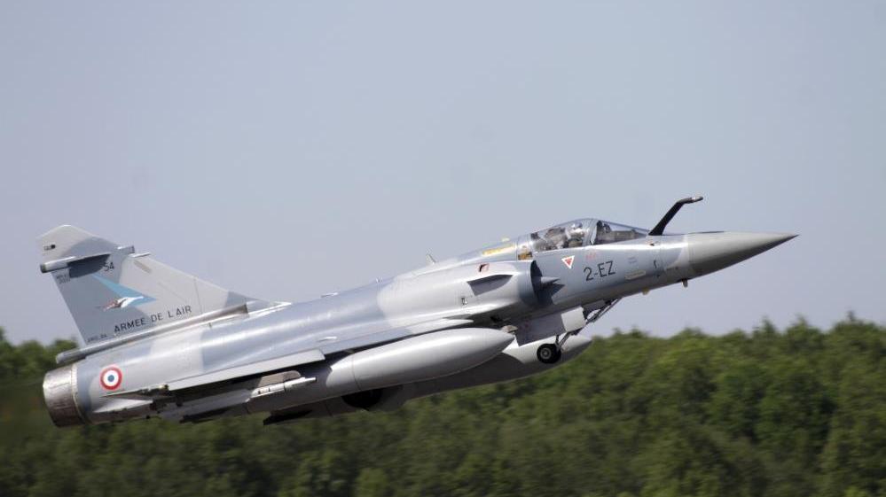Fransa'ya ait savaş uçağı Mali'de düştü