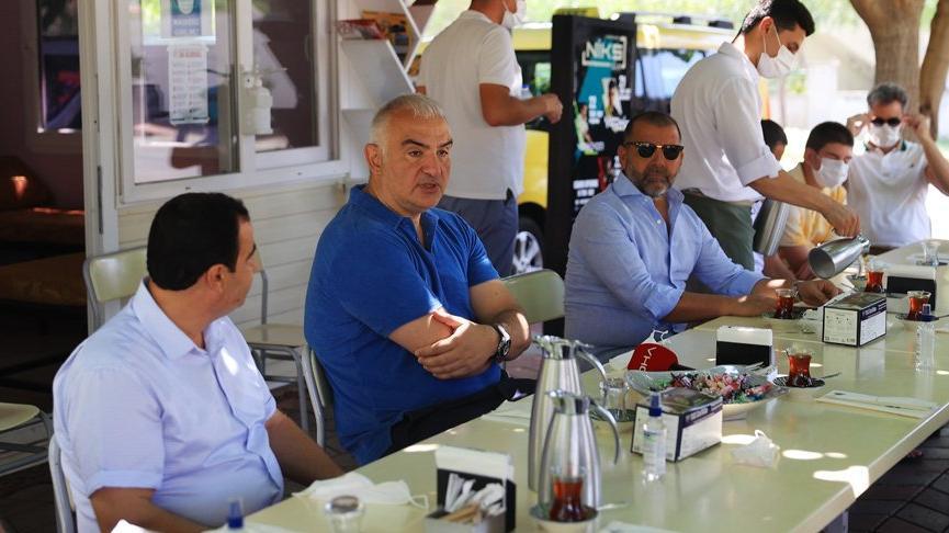 Turizm Bakanı Ersoy: Otellerde aşı oranları yüzde 93'lerde
