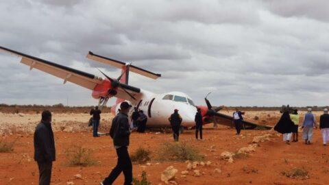 Yolcu uçağı toprak zemine iniş yaptı