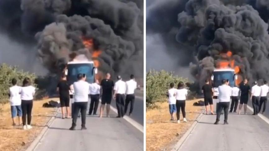 Seyir halinde motoru tutuşan yolcu otobüsü alev alev yandı