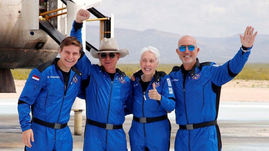 Uzaya çıkan en yaşlı insandan, Blue Origin eleştirisi