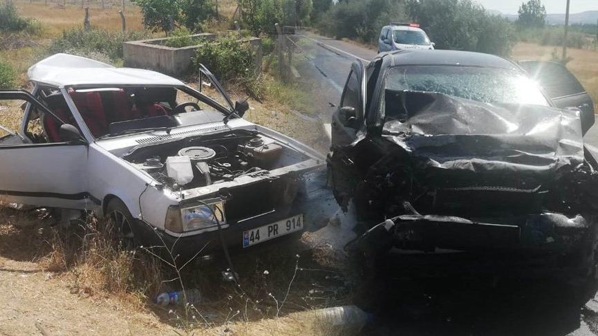 Feci kaza! İki otomobil kafa kafaya çarpıştı: 2 ölü, 4 yaralı