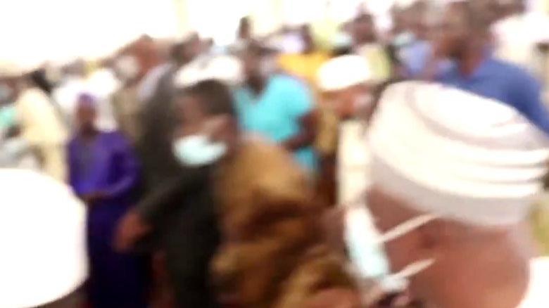 Ülke liderine camide yapılan saldırının görüntüleri ortaya çıktı