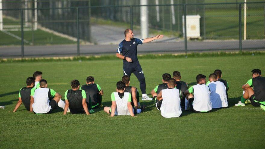 Mustafa Er raporu verdi, Bursaspor'da üç genç oyuncu takımdan gönderildi