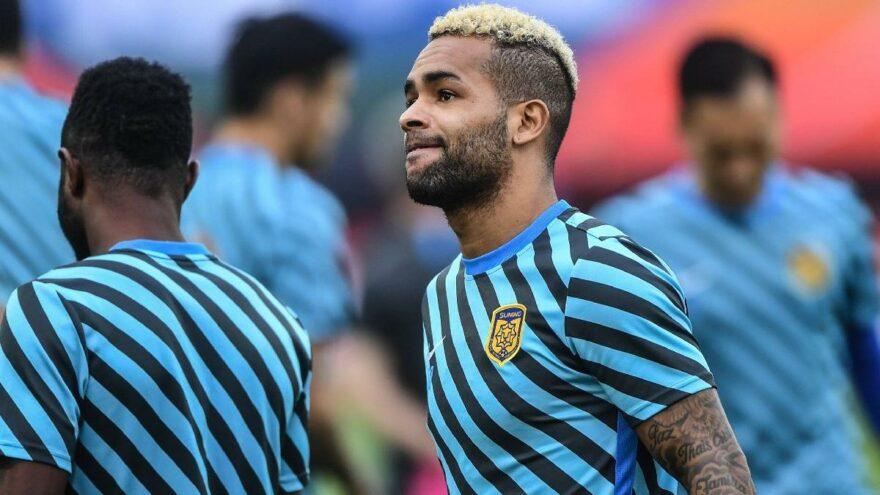 Alex Teixeira, transferiyle ilgili kararını yakında açıklayacak