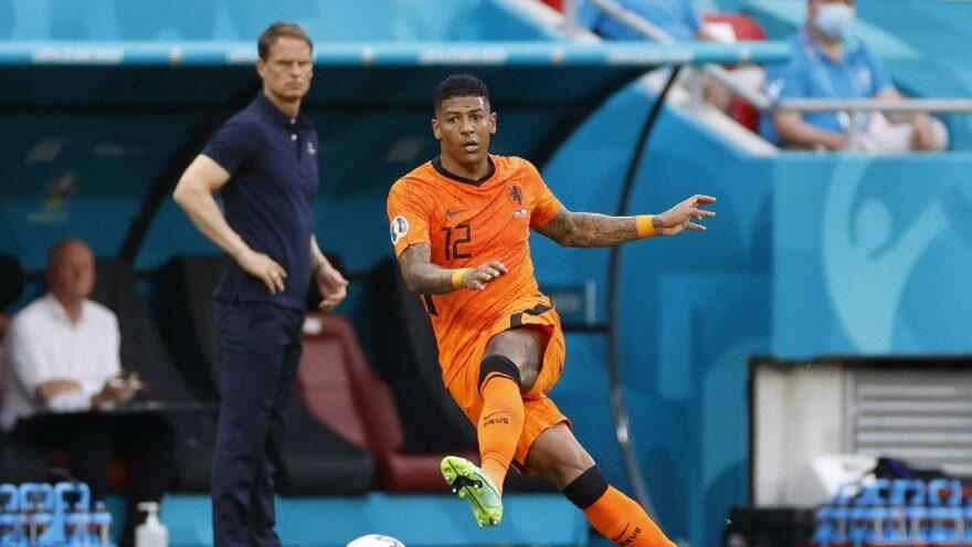 Galatasaray'da Patrick van Aanholt transferi imzaya kaldı