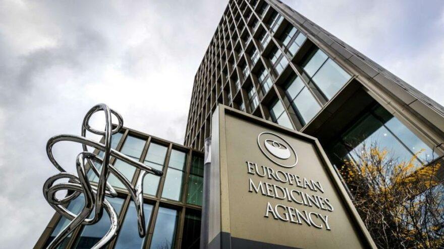 EMA'dan Moderna aşısının 12-17 yaş grubuna uygulanmasına onay