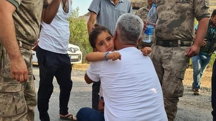 Kaybolan 3 yaşındaki Hazal dağlık alanda buldu