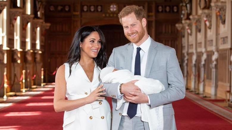 Meghan Markle'ın babası, kızını ve Prens Harry'i mahkemeye vermekle tehdit ediyor
