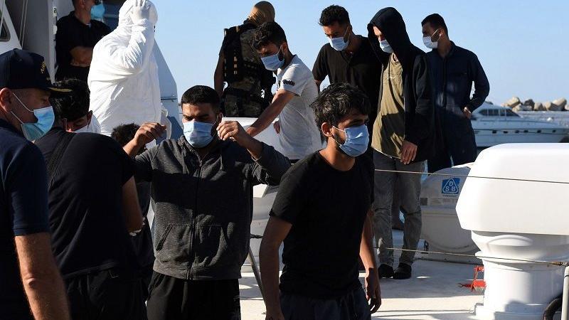 Girit açıklarında tekne battı, 9 göçmen kayıp