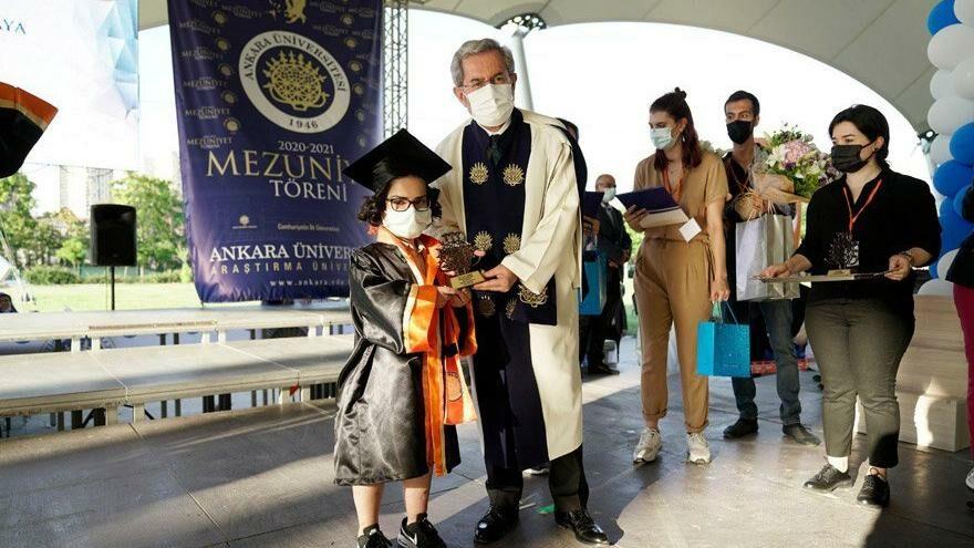 13 yıl tedavi gördü, iyileşti birincilikle mezun oldu!