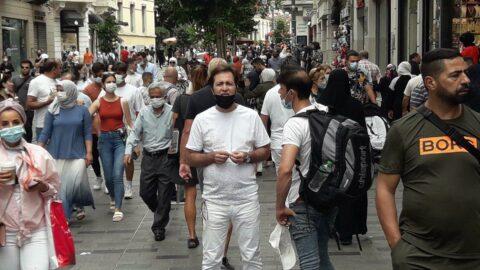 İstanbul'da corona turu: İstiklal Caddesi doldu taştı...