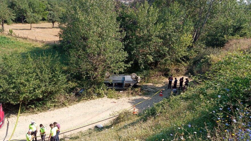 Tarım işçilerini taşıyan minibüs kaza yaptı: 1 ölü
