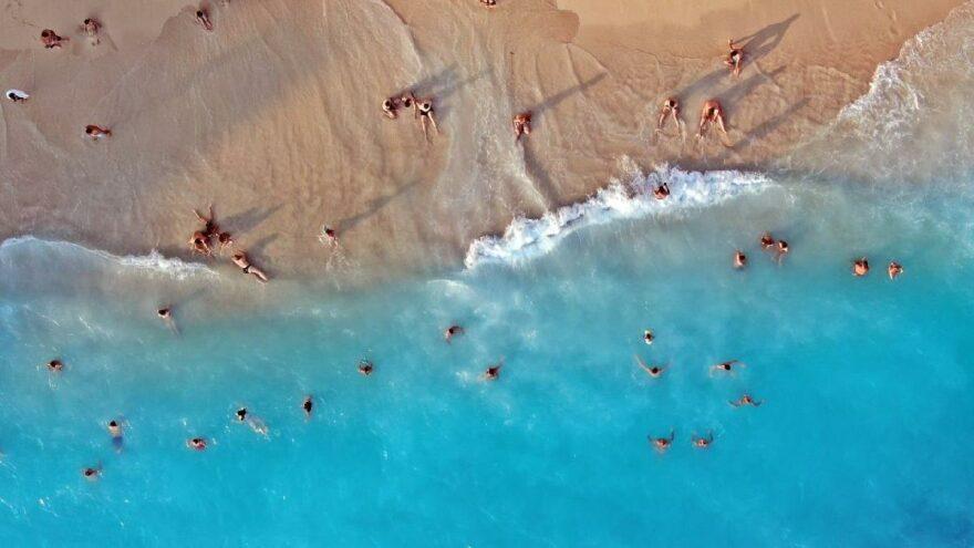 Turkuaz renkli denizi, altın sarısı kumu ile tatilin gözdesi