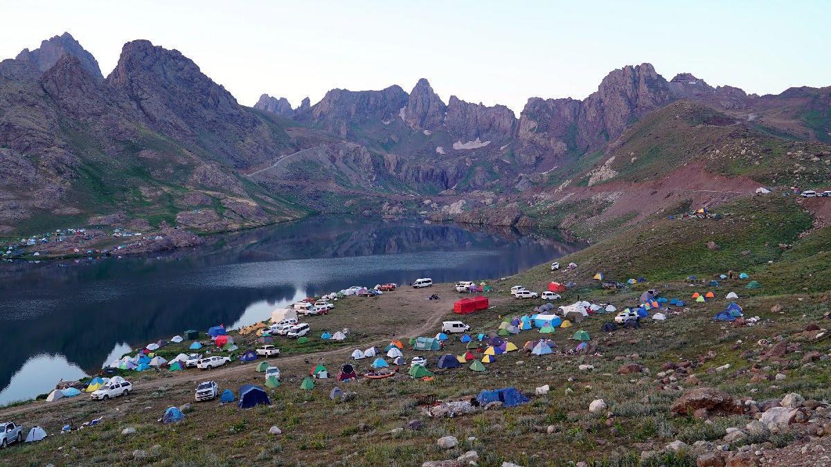 Cilo Sat Dağları doğaseverleri cezbetti