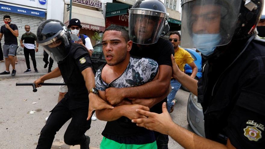 Tunus'ta Arap Baharı'nı hatırlatan eylem: Hükümete istifa çağrısı