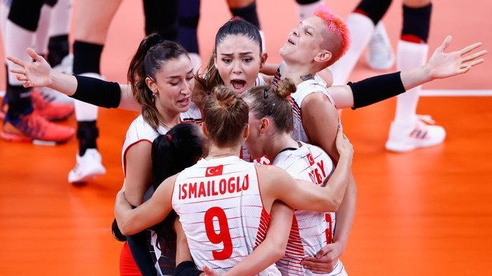 A Milli Kadın Voleybol Takımı Olimpiyatlarda Çin'i devirdi ve tarih yazdı