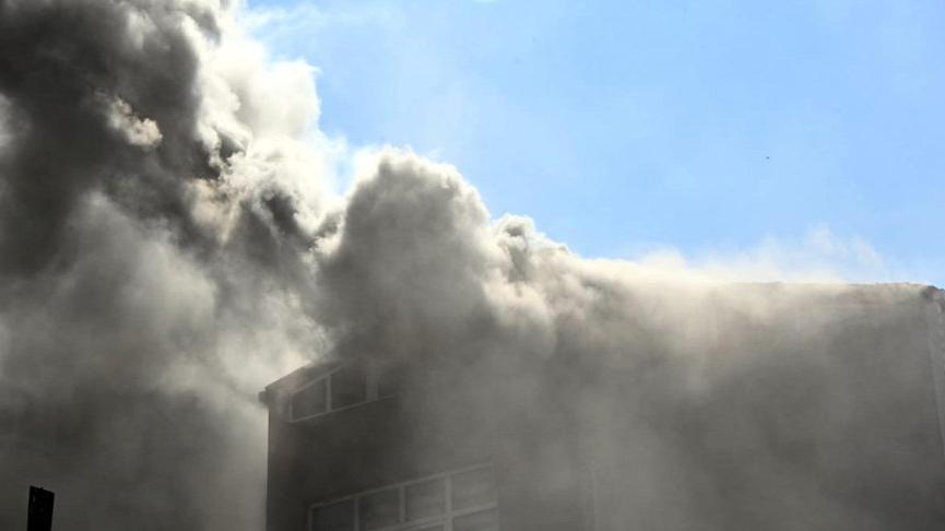 Çorlu'da 5 katlı apartmanda yangın