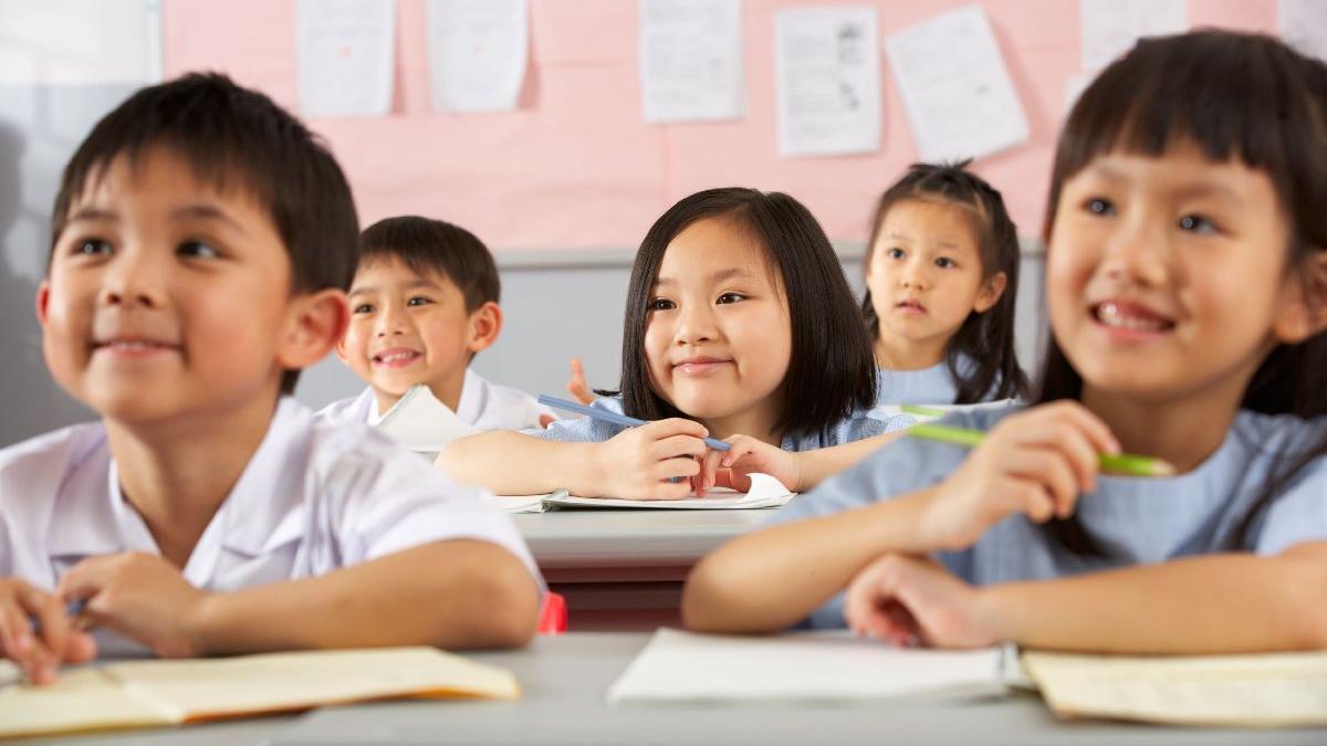 Çin'den yeni eğitim reformu: Özel ders vermek yasaklandı, özel eğitim şirketleri borsada çakıldı
