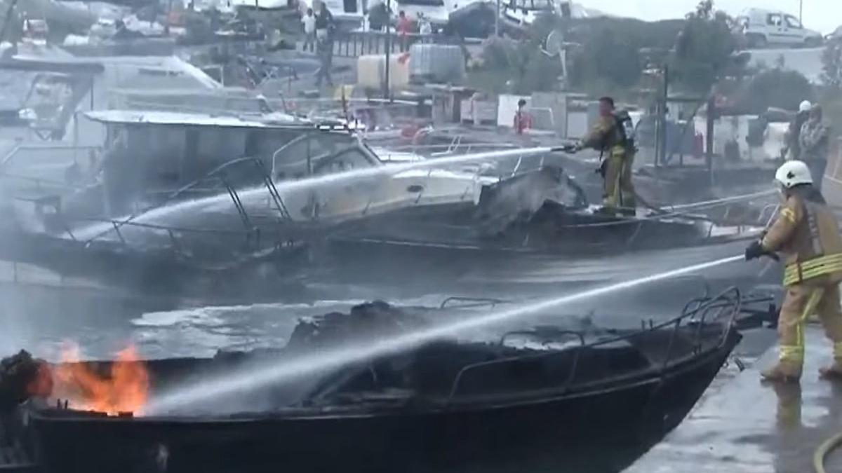 Kartal'da tekne yangını