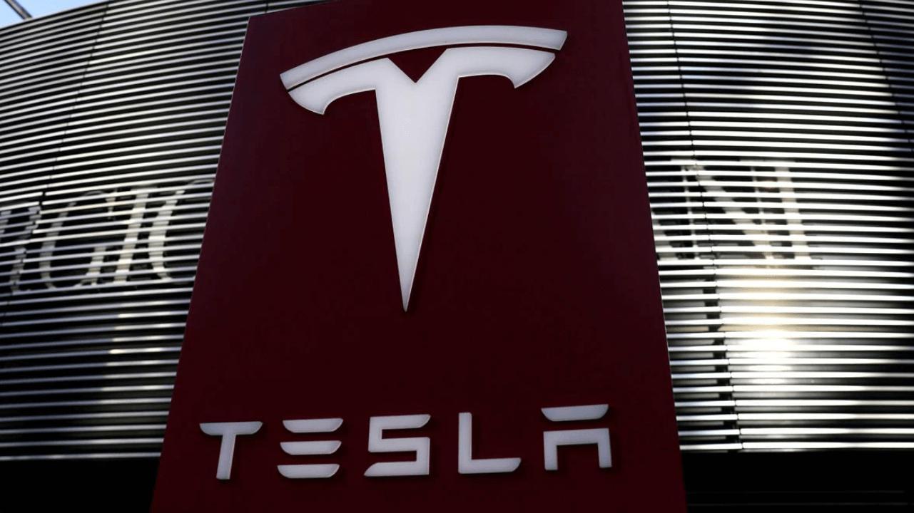 Tesla'dan müşteri memnuniyeti için ilginç önlem: Sosyal medya paylaşımlarını denetliyorlar
