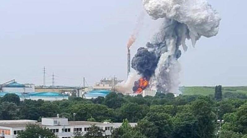 Almanya'da fabrikada patlama