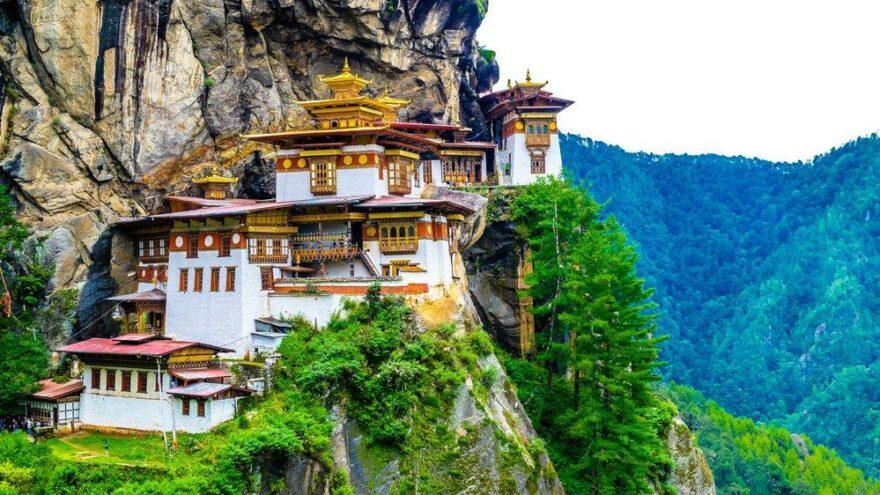 Covid-19 aşısında bir başarı öyküsü: Bhutan